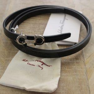 (NEW) Salvatore Ferragamo Skinny Belt